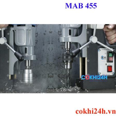 Ứng dụng của máy khoan từ mab 455 với 2 loại mũi cắt và mũi khoan xoắn